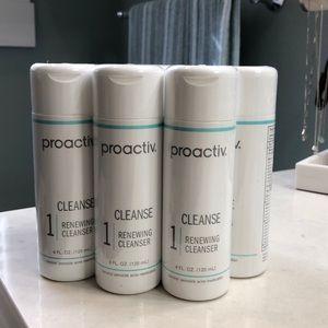 ProActiv 4oz Renewing Cleanser (Step 1)